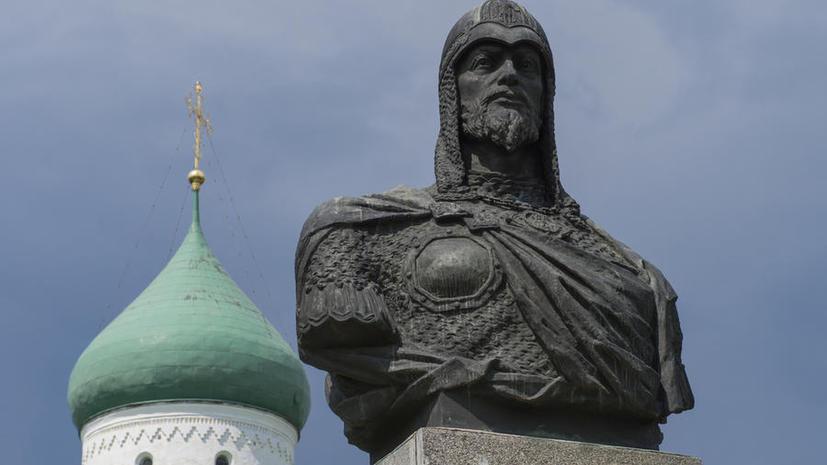 В Киеве потребовали от Жириновского вернуть украинцам Москву