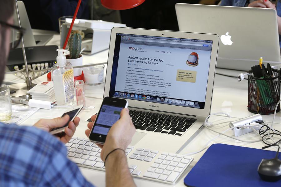 СМИ: В магазинах приложений для iOS и Android нашли экстремистскую литературу