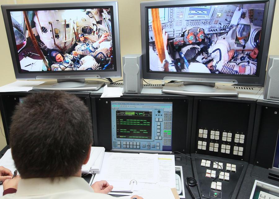 NASA приостановило выходы в космос в скафандрах производства США
