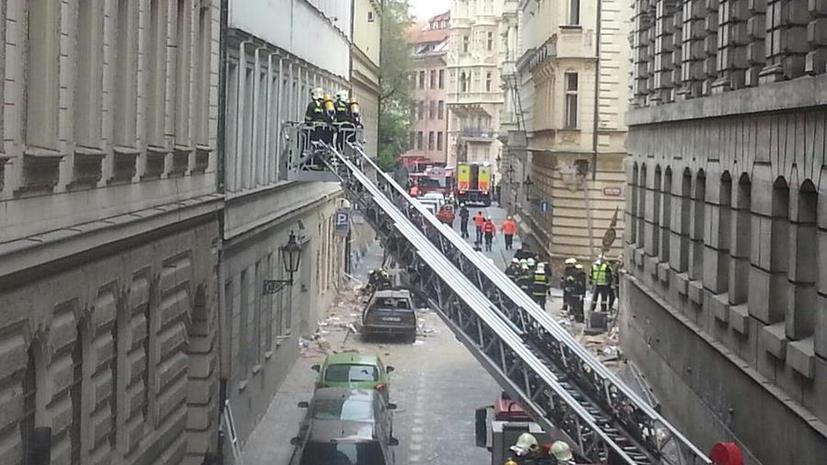 Число пострадавших в результате взрыва в Праге достигло 55 человек - первые фото с места события