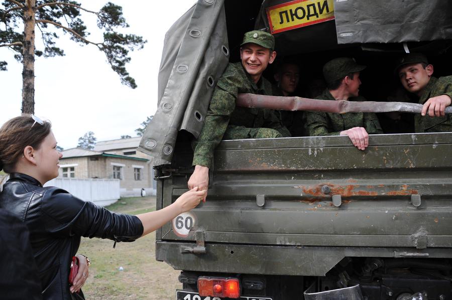 Минобороны предложит выпускникам самим выбирать, как служить в армии