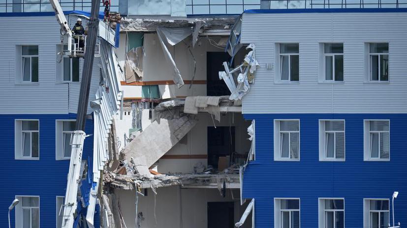 СМИ: Следователи установили причину обрушения казармы учебного центра ВДВ в Омске