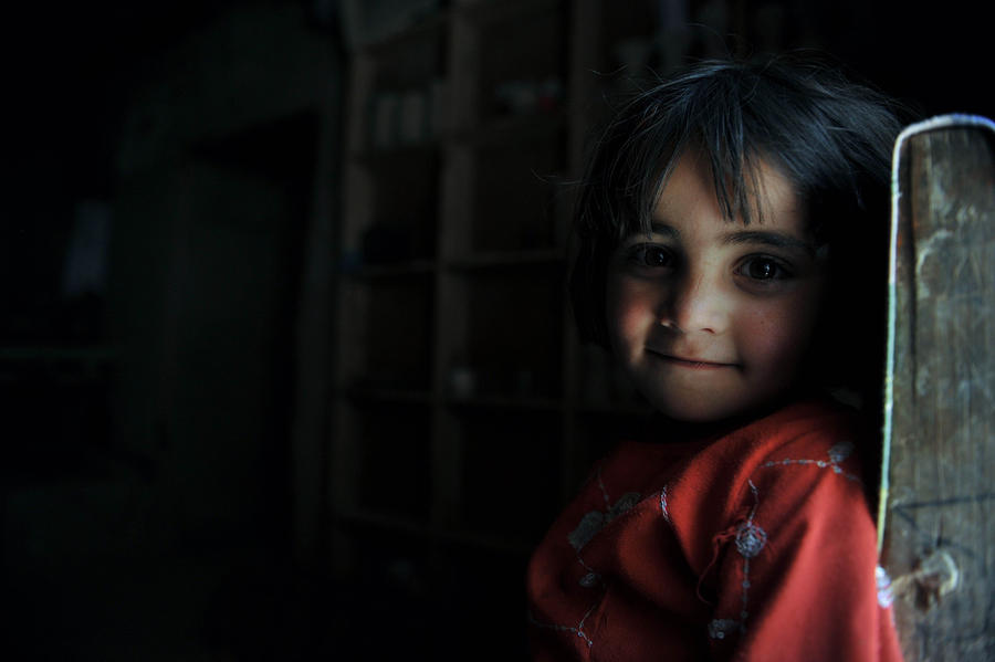 Школа для девочек в Афганистане учит противостоять насилию
