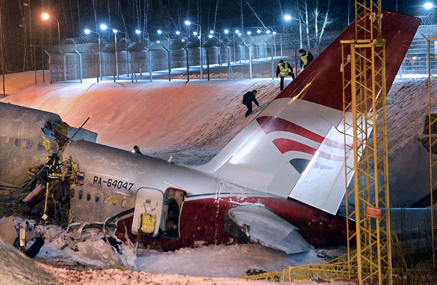Коммерсантъ: Причиной крушения Ту-204 во Внуково стал отказ реверса