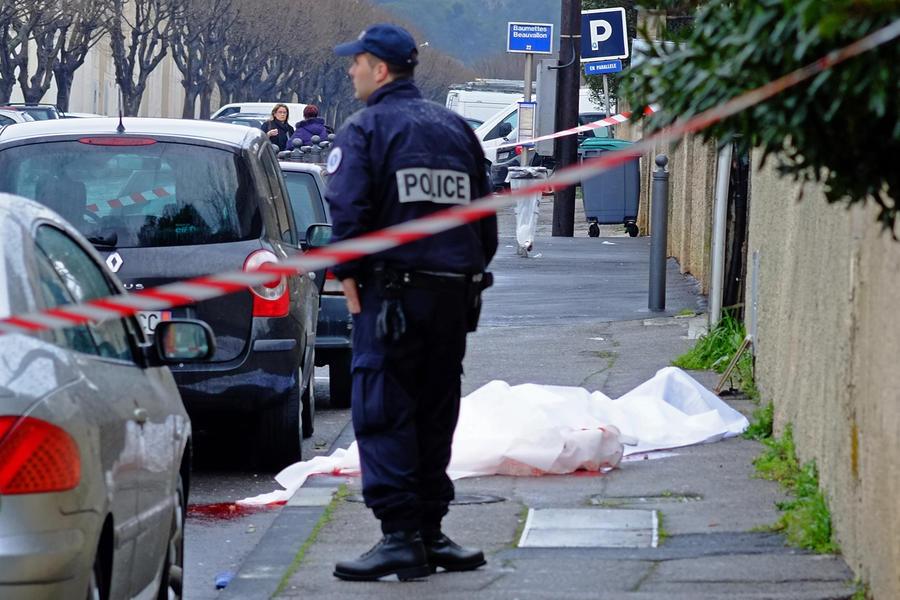Заключённый, взявший заложника во французской тюрьме, сдался представителям закона
