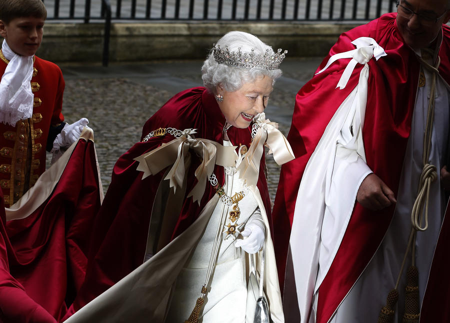 Дама с характером: почему юбилей Елизаветы II будут праздновать не все