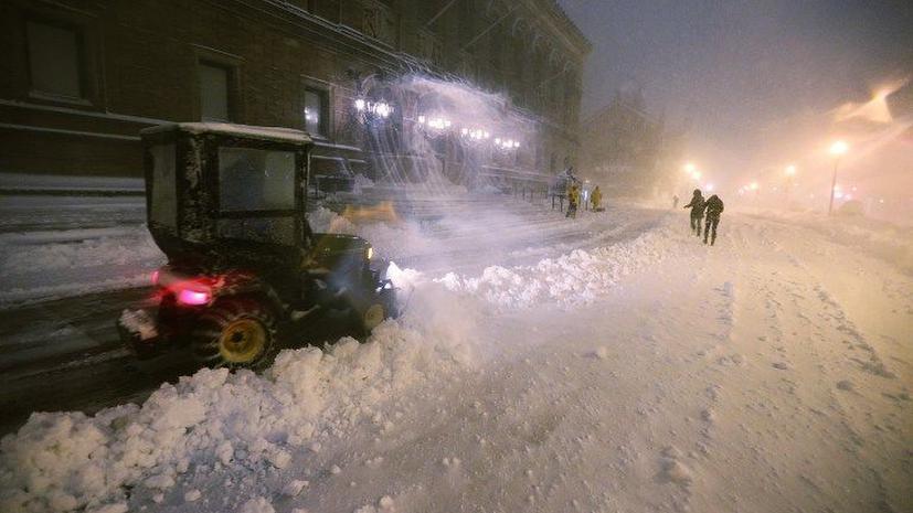 Снег поставил американцев в тупик – самолеты не летают, дороги перекрыты
