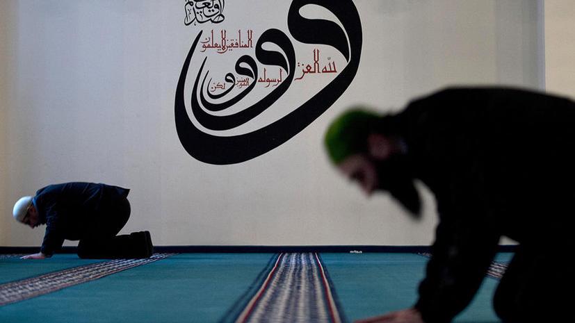 Вандалы в Великобритании закидали мечеть камнями, а затем устроили расистскую кампанию на Facebook