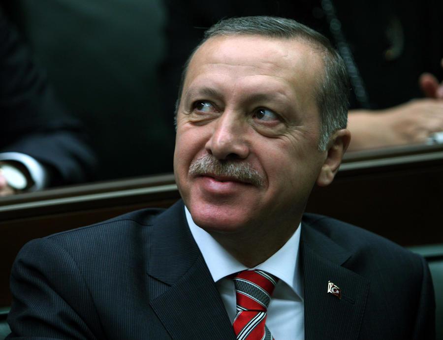 Премьер-министр Турции пообещал не допустить, чтобы в общежитиях жили студенты обоих полов