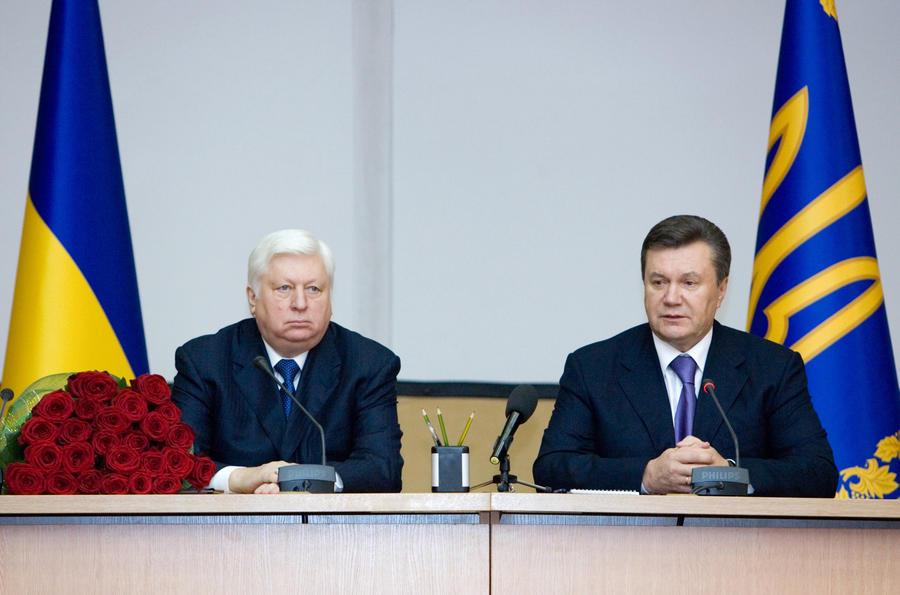 Бывший генпрокурор Украины Виктор Пшонка предлагал Виктору Януковичу ввести в стране чрезвычайное положение