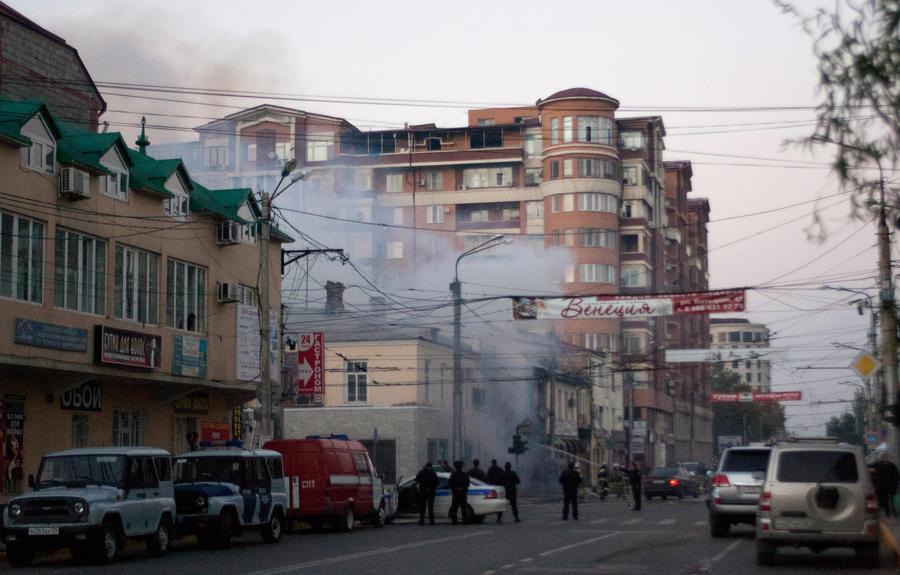 В Махачкале неизвестный застрелил охранника и взорвал магазин