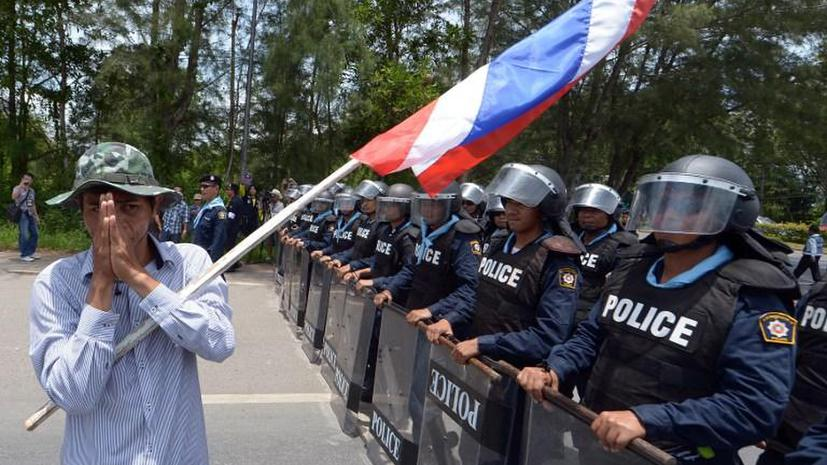 Противники правительства Таиланда собирают деньги для своих политических оппонентов