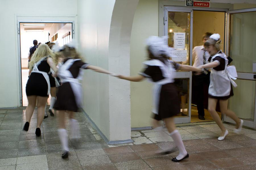 Обязательная школьная форма оживит российскую легкую промышленность