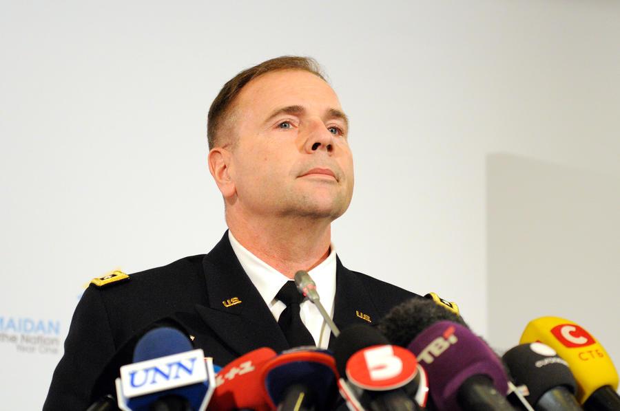 Командующий силами США в Европе: Нам необходимо участие России в борьбе с ИГ