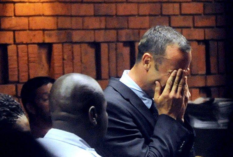 Оскар Писториус отрицает обвинения в убийстве своей девушки