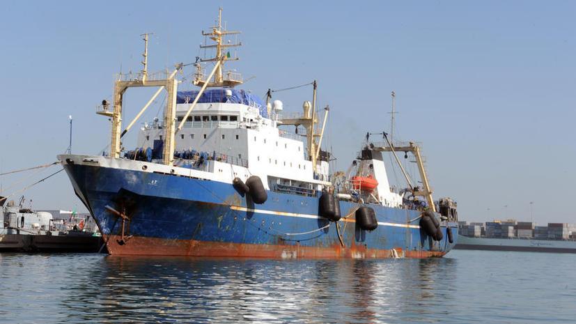 Российский траулер «Олег Найдёнов» покинул порт Дакара