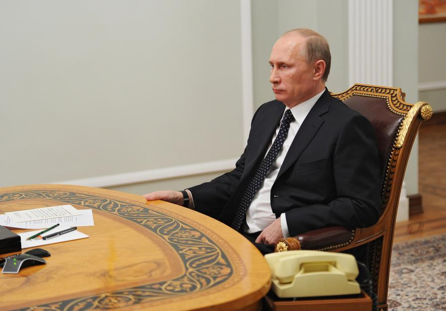 Владимир Путин позвонил президенту Татарстана Рустаму Минниханову, чей сын погиб в авиакатастрофе в Казани