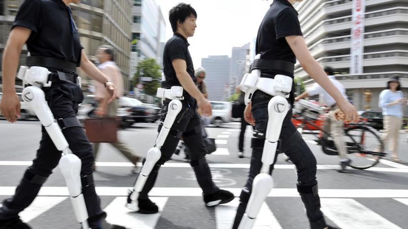 Японские роботы поставили на ноги инвалидов