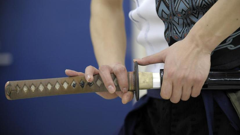 Епископ-мормон напугал неудачливого вора самурайским мечом
