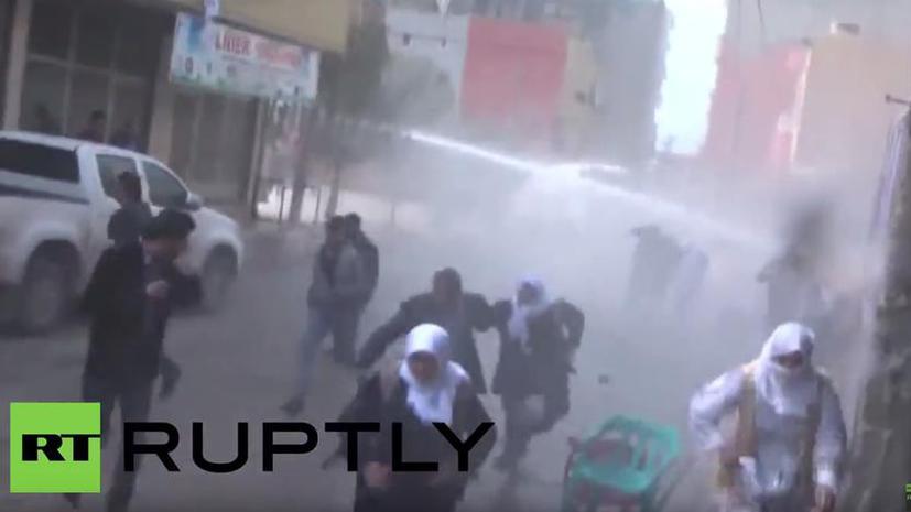 Полиция Турции разогнала водомётами и слезоточивым газом празднование курдского Нового года