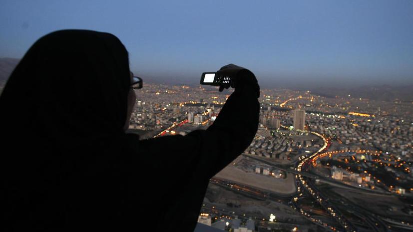 Иран разрешил гражданам пользоваться Twitter и Facebook