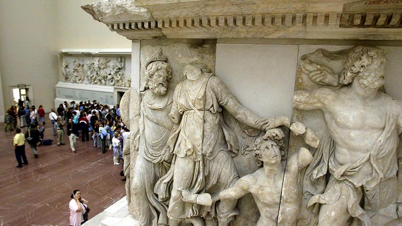 Министр культуры Турции требует от Запада вернуть украденные памятники