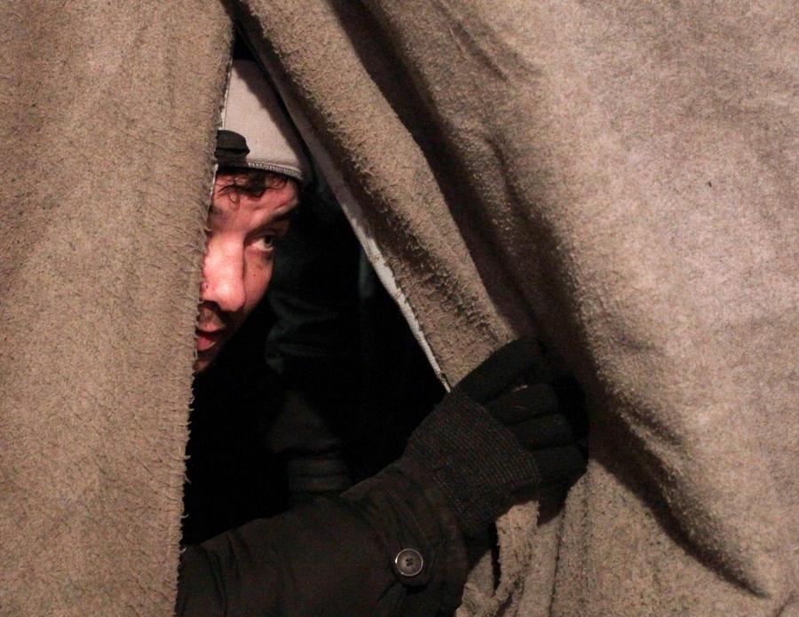 Бездомные Москвы смогут отогреться в специальной палатке