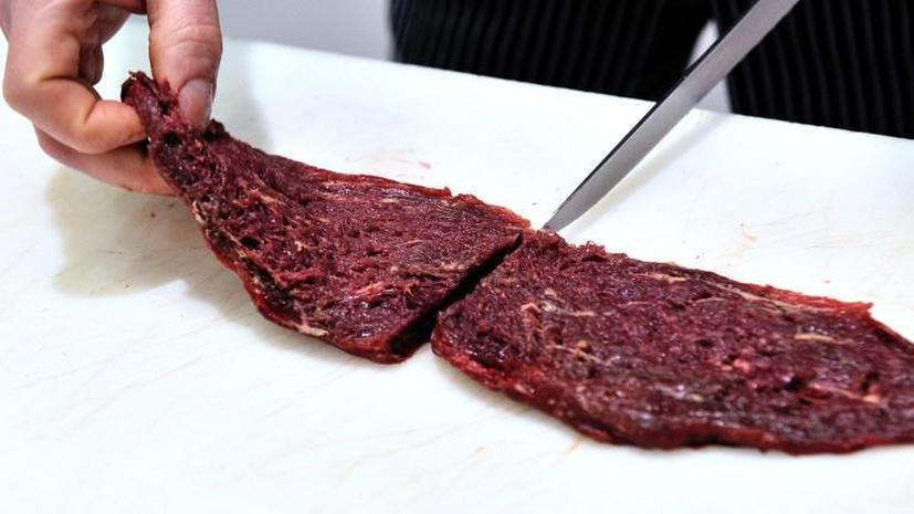 Посетителям двух швейцарских ресторанов подавали конину вместо говядины