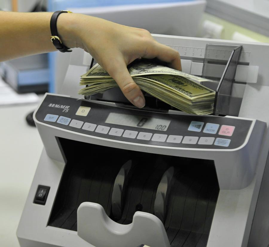 Госдума намерена запретить банкам передавать данные налоговикам США