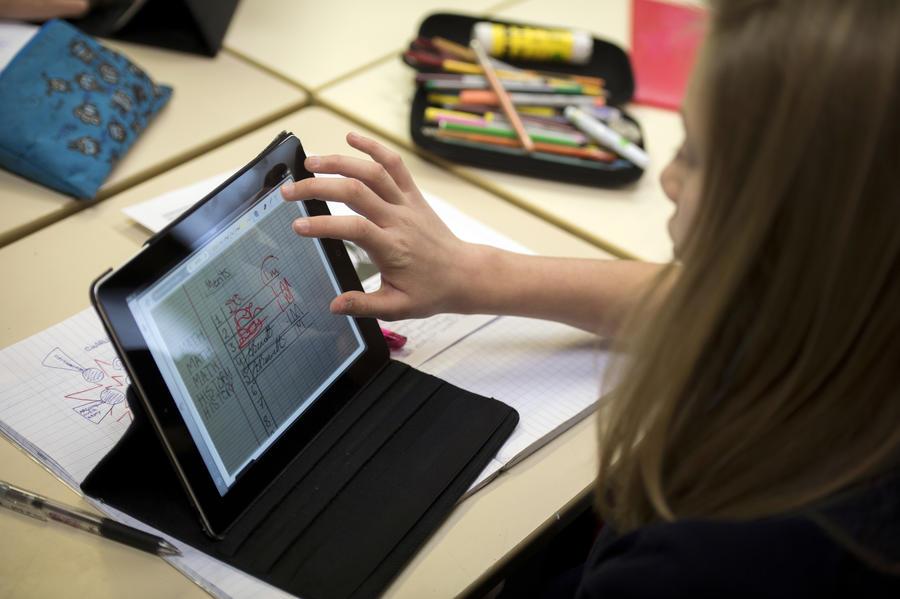 Школьникам Лос-Анджелеса закупают iPad за счёт бюджета города