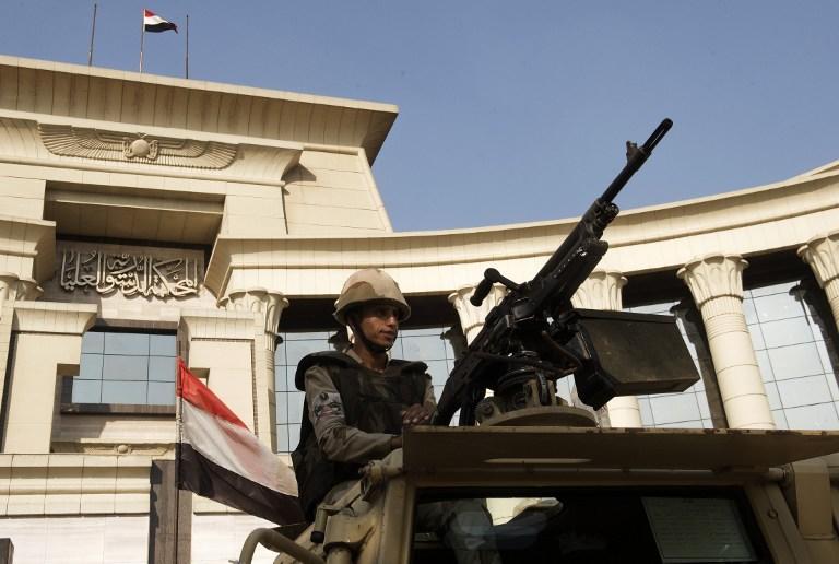 Сторонники Мухаммеда Мурси вышли на марш протеста: армия Египта оцепила площадь Тахрир