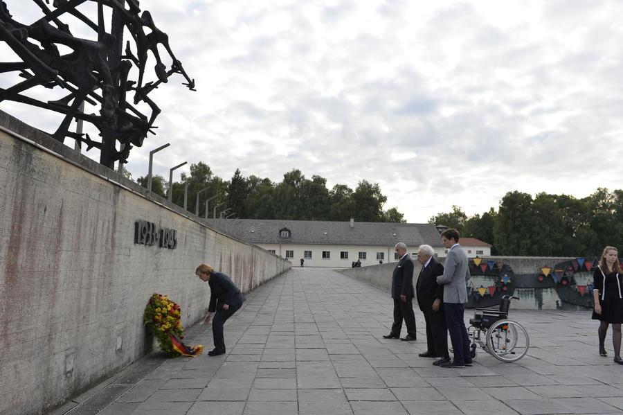 Визит Ангелы Меркель в концлагерь Дахау расколол немецкое общество