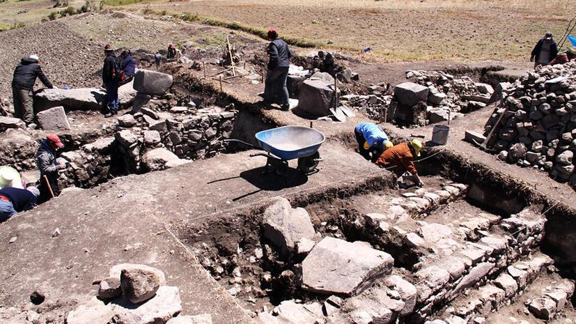На севере Гватемалы обнаружена первая в истории раскопок стена майя, расписанная фресками
