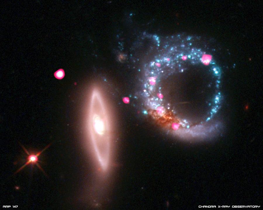 Ученые обнаружили черные дыры в 40 млрд раз тяжелее Солнца