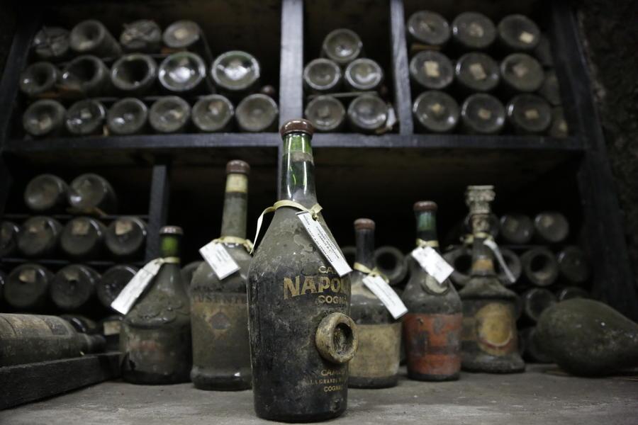 СМИ: Французский коллекционер пошёл на хитрость из любви к крымскому вину