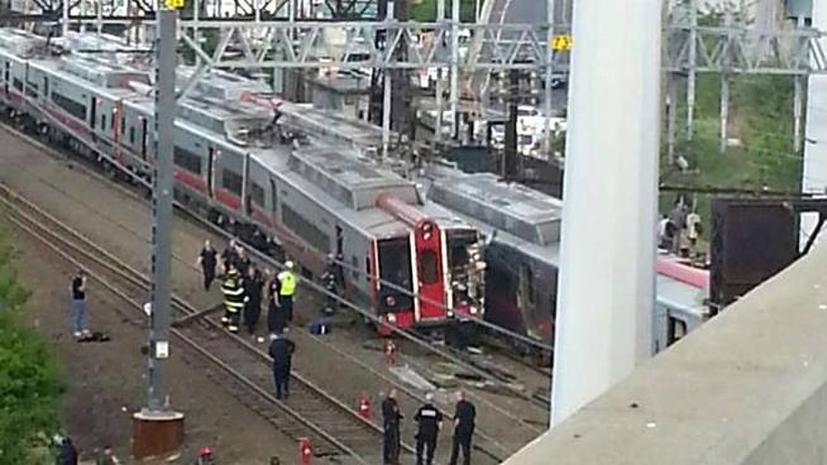Крушение пассажирского поезда в Коннектикуте: вагоны сошли с рельс, почти 60 пострадавших
