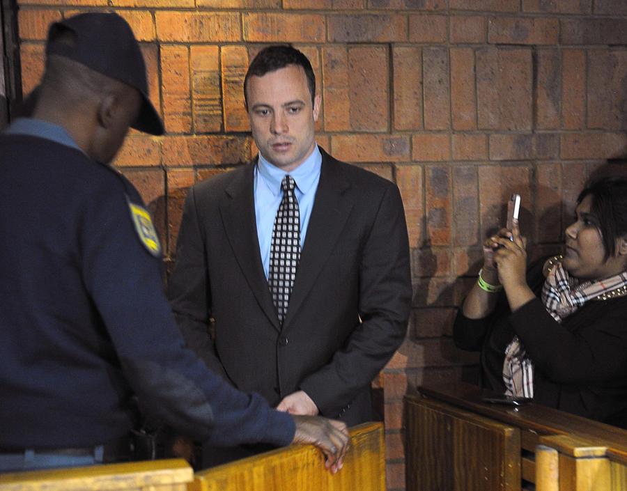 Оскар Писториус предложил €220 тыс. родителям убитой подруги