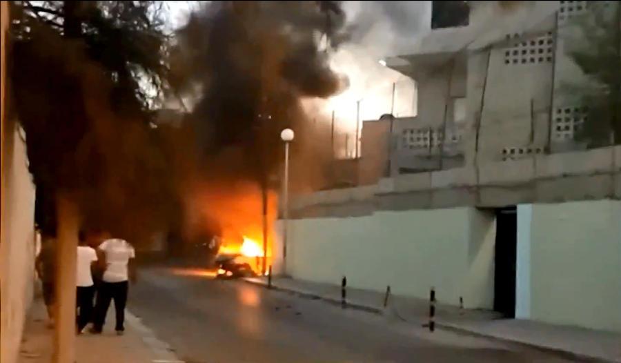 Премьер-министр Ливии и глава МИД посетили посольство России, на которое напали боевики