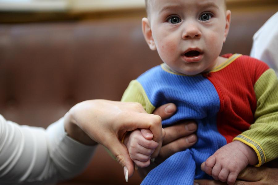 Российских детей не отдадут одиноким иностранцам