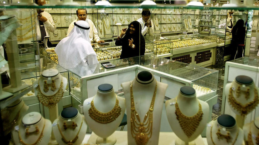 Жители ОАЭ худеют за золото