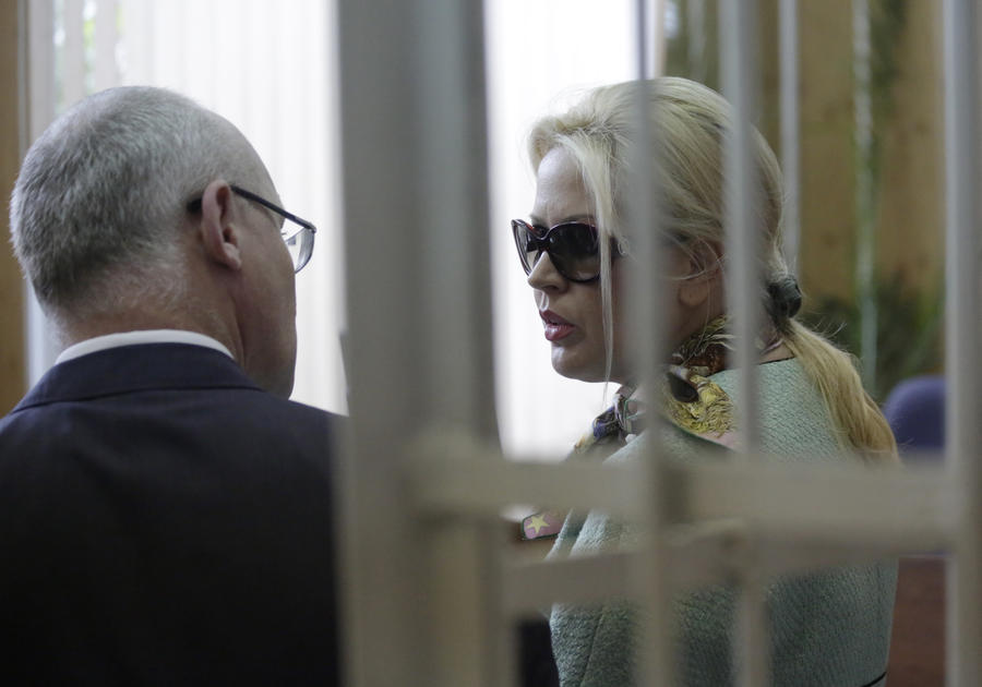 Сердюкова и Васильеву подозревают в продаже земли военного полигона бизнесменам