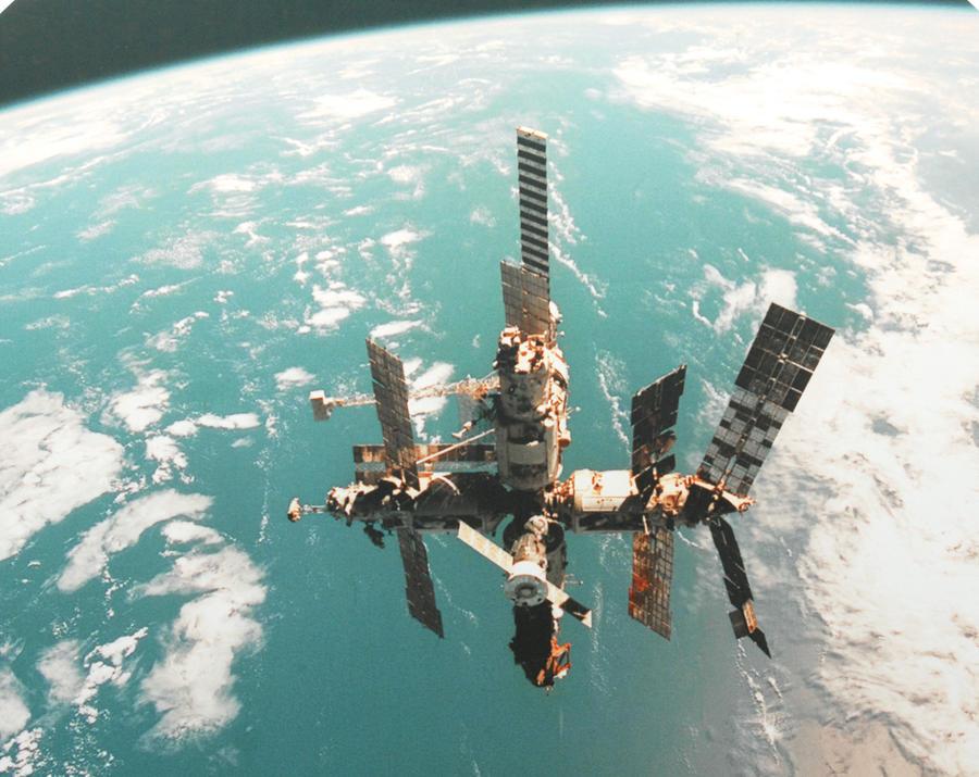 30 лет назад орбитальная станция «Мир» покорила космос