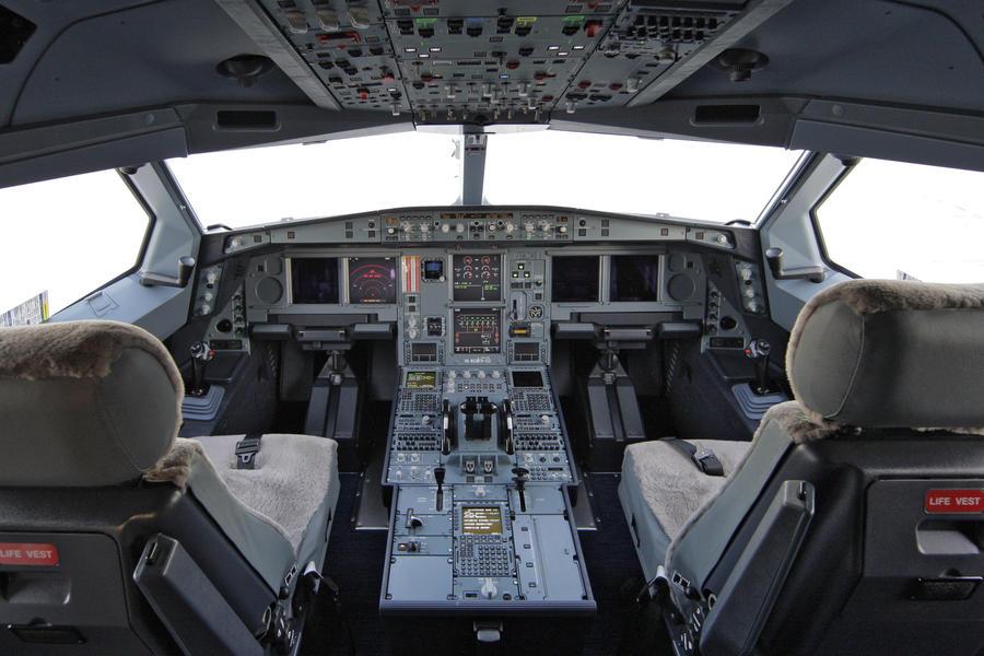 Российские авиакомпании будут нанимать пилотов-гастарбайтеров