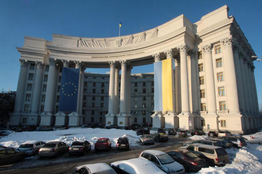 МИД Украины заявляет о готовности к возобновлению диалога с Россией