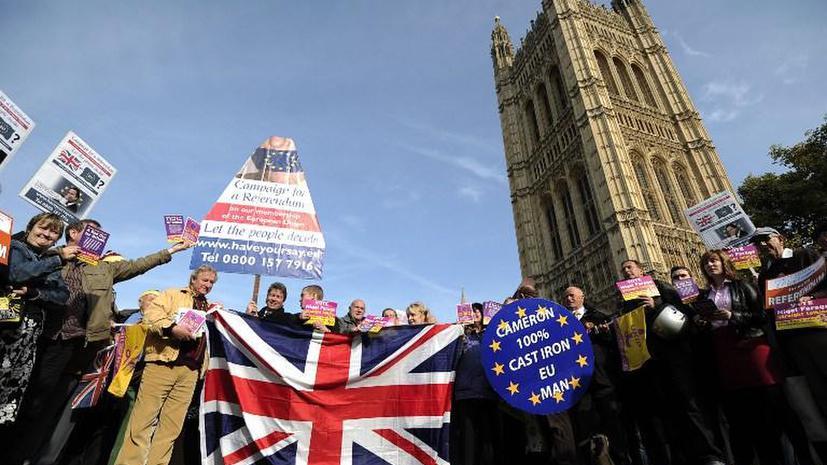 Почти половина британцев не хотят оставаться в ЕС