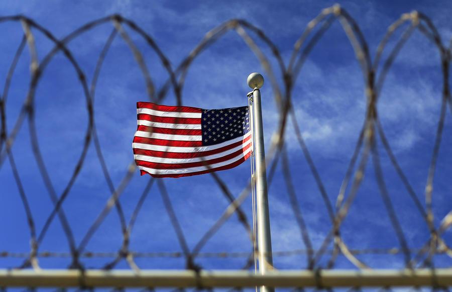 Пентагон намерен сегодня представить конгрессу США план по закрытию тюрьмы Гуантанамо