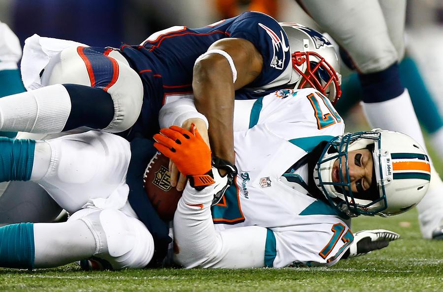 Спортивные врачи: Шлемы способствуют сотрясению мозга