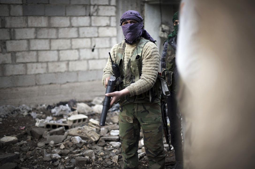 Сирийские повстанцы получили тяжелое вооружение из-за рубежа