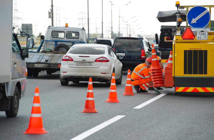 Правительство утвердило диагональные пешеходные переходы и новую разметку парковок