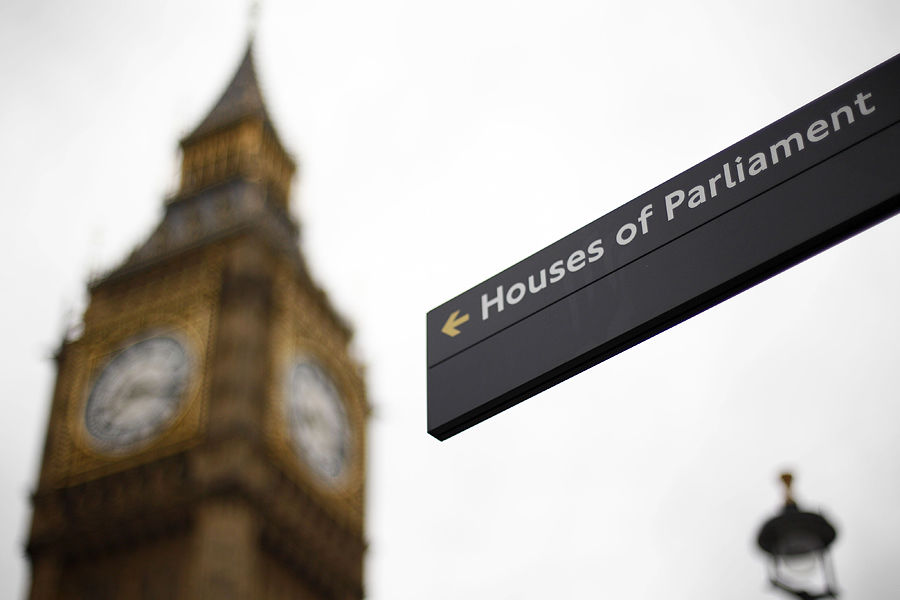 «Как стать депутатом» - наиболее востребованная книга среди британских парламентариев
